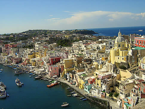 Can you Guess the Location and the Name of the Town in Italy?