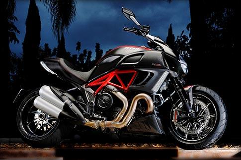 The Italian V-Max - the 2011 Ducati Diavel