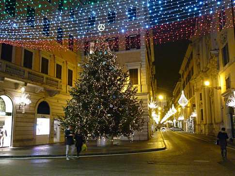 Christmas tree in Via del Corso, Rome
