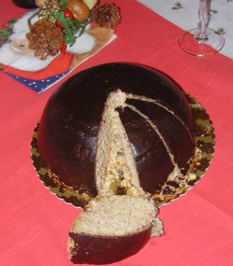 Parrozzo, A Christmas Cake from Abruzzo, Italy