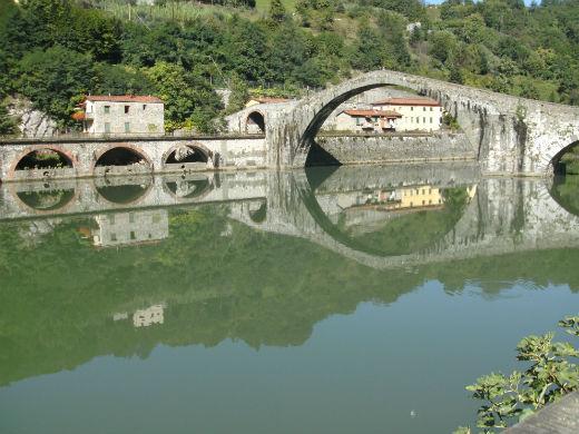 The Devil's Bridge Tuscany Photo Jenny Mead