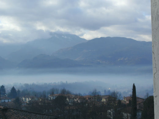 Mist in the Serchio Valley Photo Jenny Mead