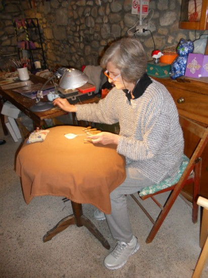 Making lace using the tombola. Photo Jenny Mead