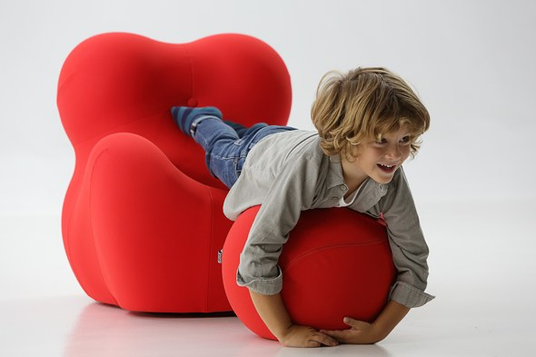 A UP Junior chair with child