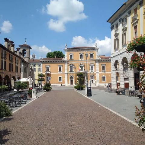 Brescia's Piazza del Mercato