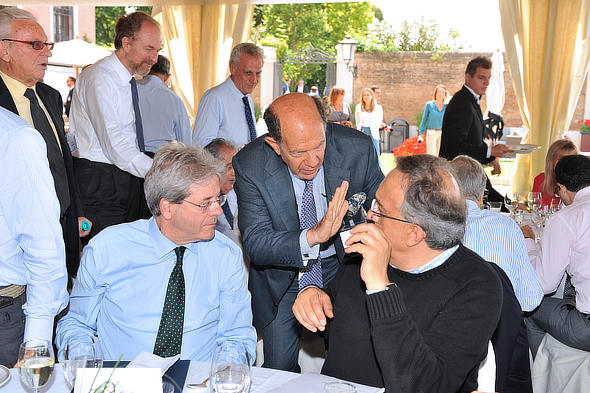 Dennis Redmont makes a point with Sergio Marchionne and then Foreign Minister and future Italian Prime Minister Paolo Gentiloni in Venice two years ago at the Council workshop.